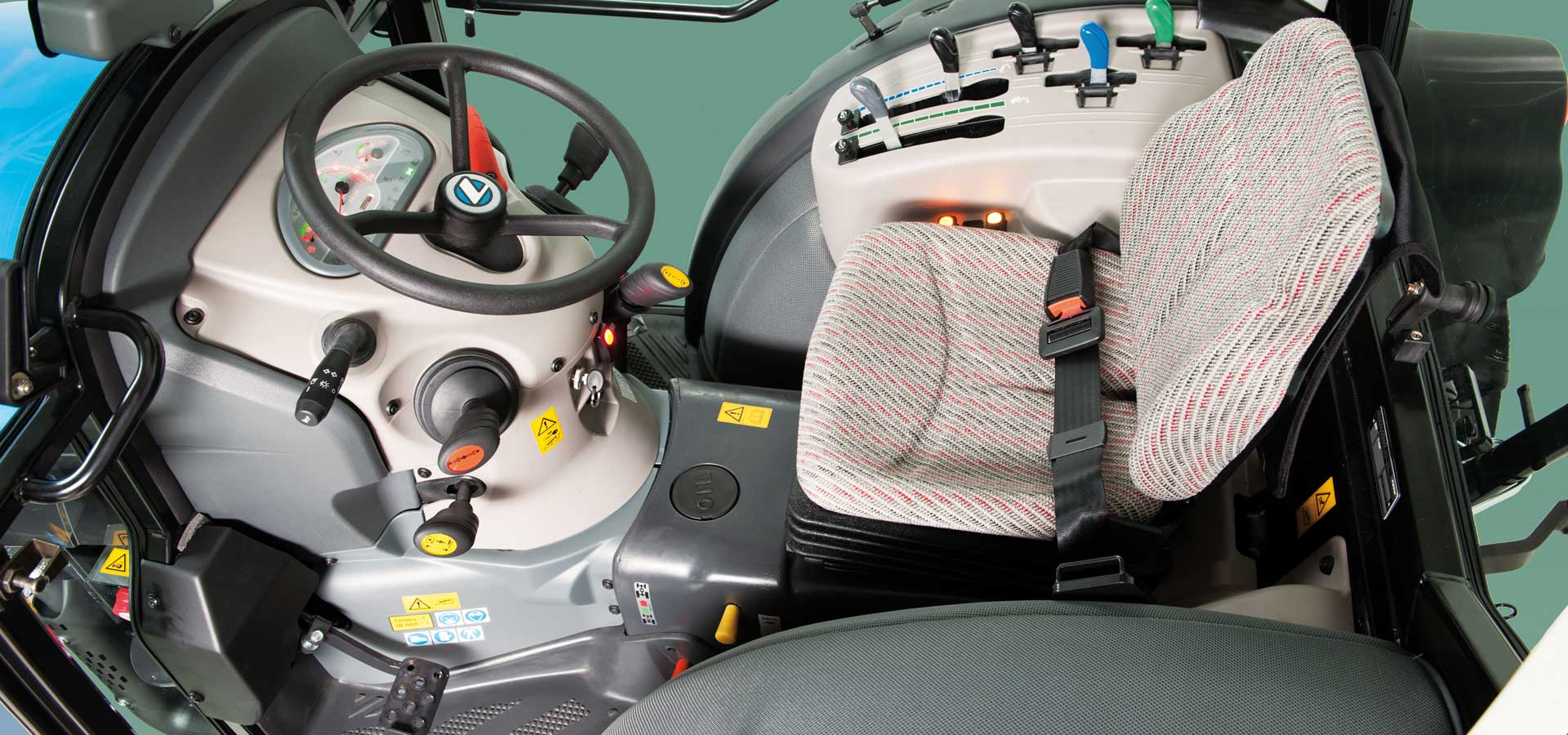Serie-2-driving-position