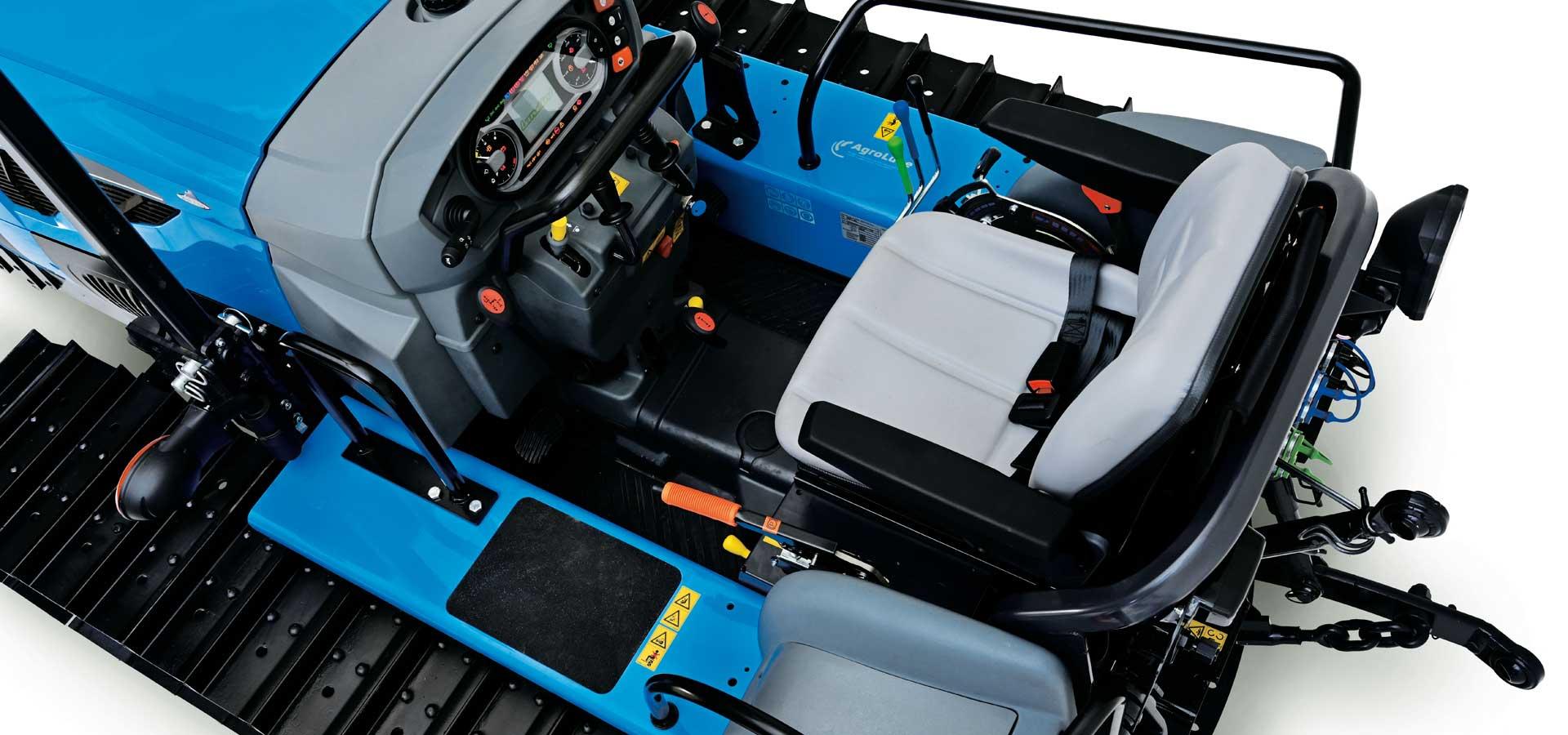 Serie-Trekker-4-095-M-driving-position-1